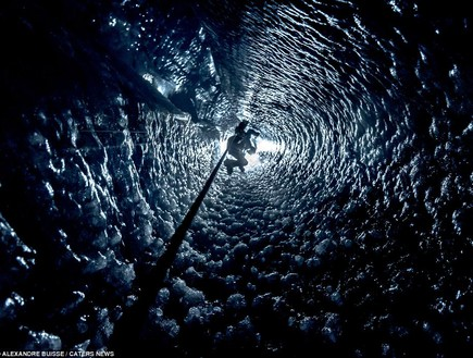 מערה צרה, מערות קרח באלפים