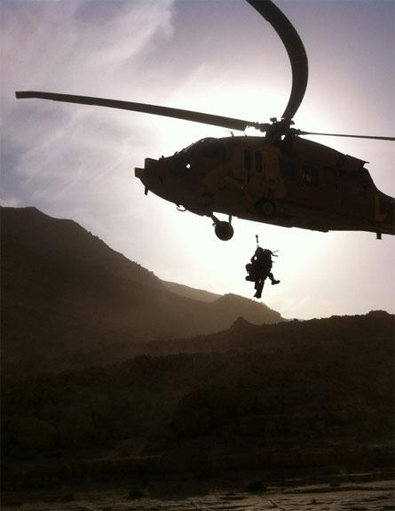 צפו בחילוץ המטייל שנפצע (צילום: יחידת החילוץ ערד)
