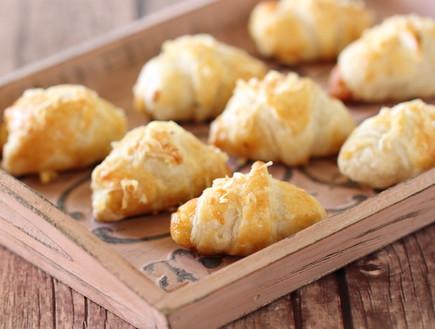 קרואסון גבינה (צילום: חן שוקרון, אוכל טוב)