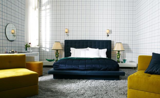 חדרי שינה, מיטה כחולה (צילום: רוני כנעני)