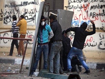 """30 הרוגים במצרים: """"מורסי אשם"""" (צילום: AP)"""