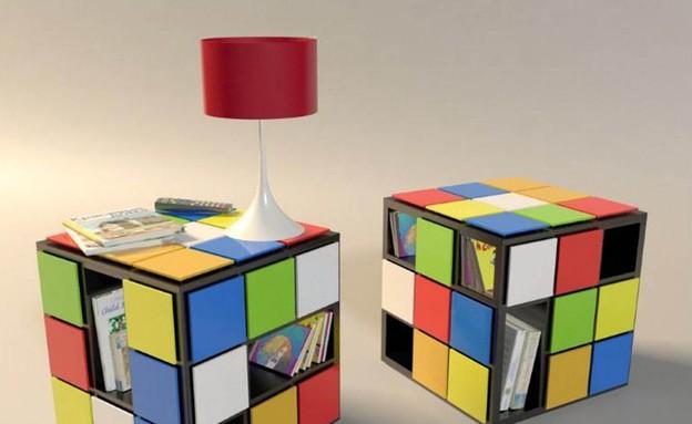 שולחן, קובייה הונגרית (צילום: Rubiks-cube-for-bedside-table)