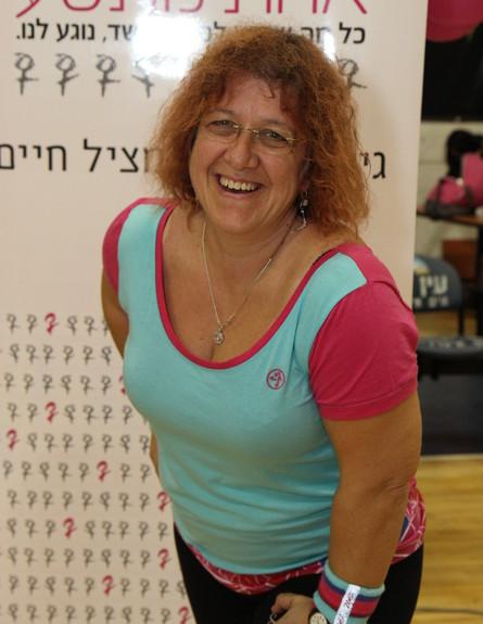 ציפי סימיונסק - זומבה (צילום: דורון ברגר. ביגוד באדיבות zumba wear ישראל)