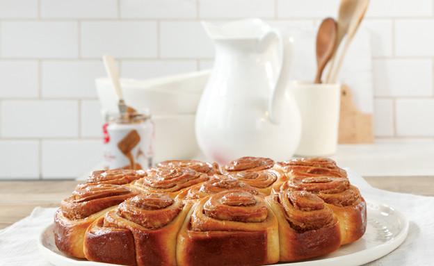 עוגת שושנים עם ממרח לוטוס (צילום: דניה ויינר,  יחסי ציבור )