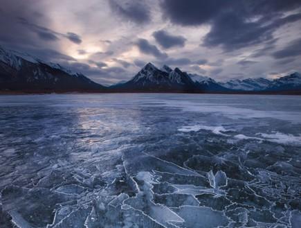בהרים בקנדה, תופעת טבע באגם