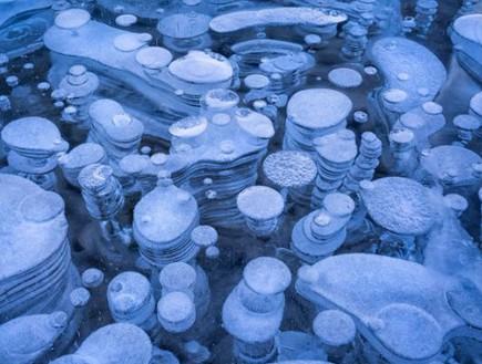 בועות במים, תופעת טבע באגם