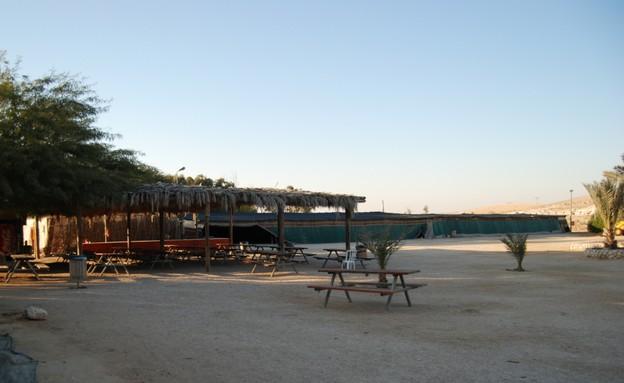 סככה בספינת המדבר, קמפינג בחורף (צילום: לירון נקש)