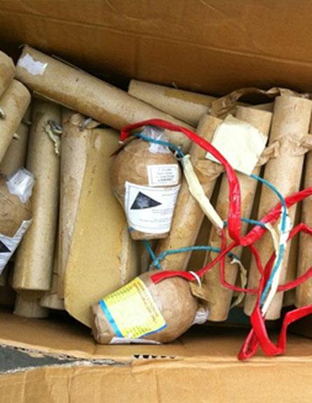 חומרי הנפץ שנתפסו (צילום: דוברות משטרת מרחב שרון)