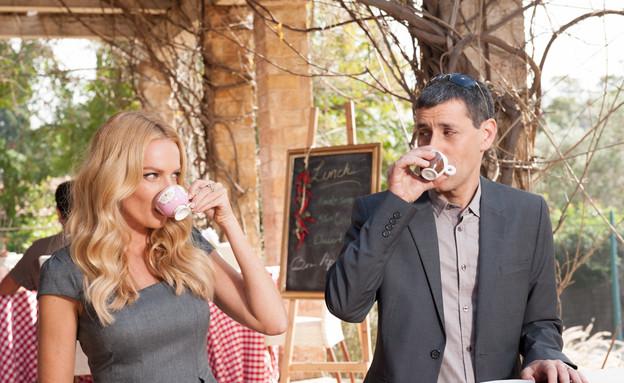 יואב וגלית שותים אספרסו (צילום: לימור סידי)
