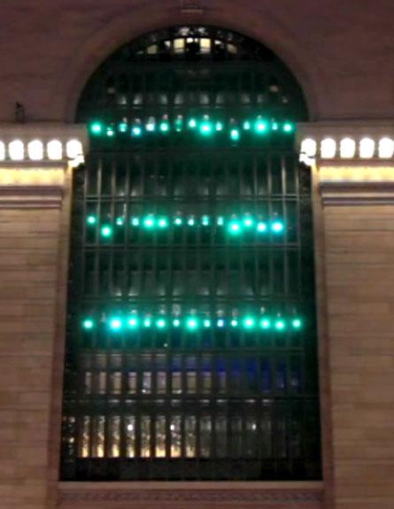 מופע האורות בגראנד סנטרל (צילום: improv everywhere)
