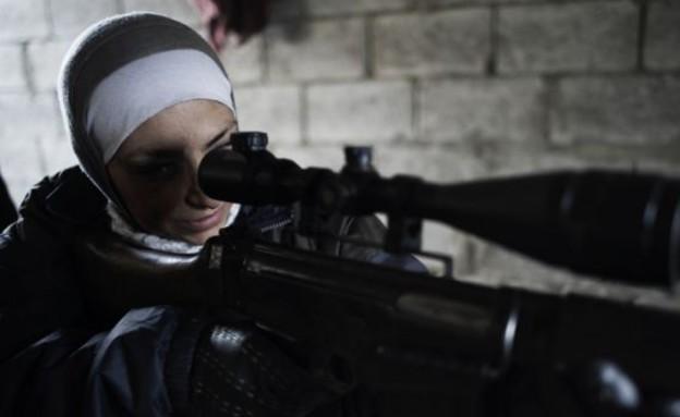 הצלפת הסורית שנשבעה לנקום באסד (צילום: אלסיו רומנזי)