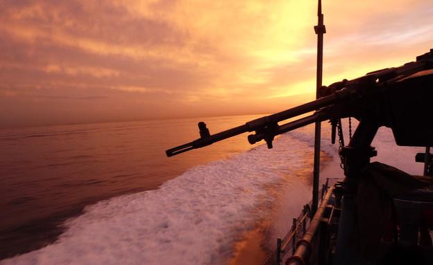 """ספינת שלדג באימון (צילום: שי לוי, פז""""ם)"""