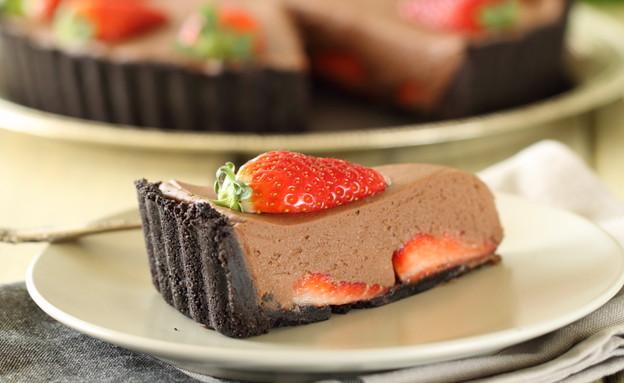 טארט תותים ושוקולד - פרוסה (צילום: חן שוקרון, אוכל טוב)