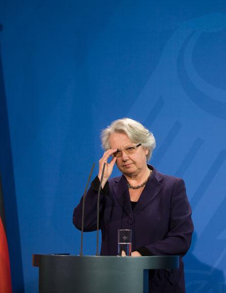 מכה למרקל. שוואן מגישה את התפטרותה (צילום: AP)