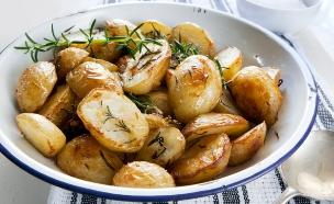 תפוחי אדמה בתנור (צילום: robynmac, Istock)