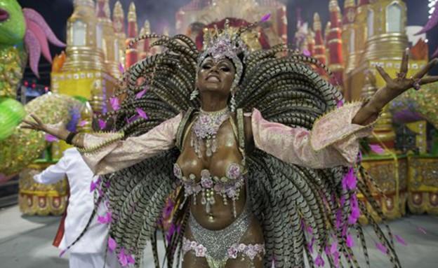 רקדנית סמבה, קרנבל ברזיל