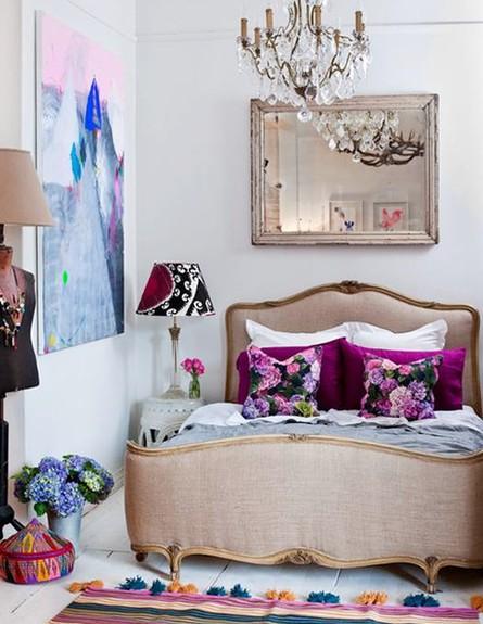 סגול בחדר השינה (צילום: 79ideas org)