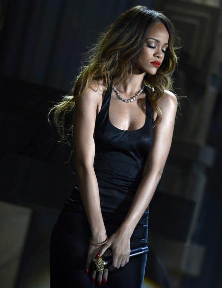ריהאנה, גראמי 2013 (צילום: Kevork Djansezian, GettyImages IL)