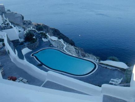 שקיעה במלון ביוון, מלונות רומנטיים