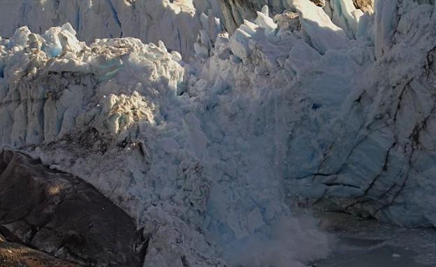 רגע ההתנפצות, קרחון בארגנטינה (צילום: dailymail.co.uk)
