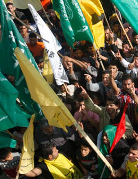 פלסטינים חוגגים בעזה (צילום: חדשות 2)