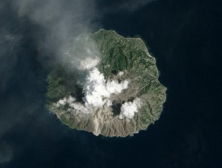 התפרצות הר געש באינדונזיה, תמונות מהחלל