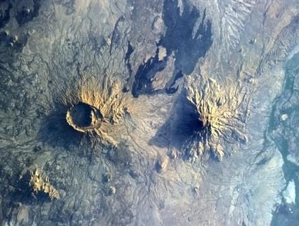 עוד מבט, תמונות מהחלל