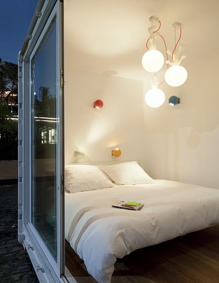 קונטיינר מלון בלגיה, חדר שינה מנורות