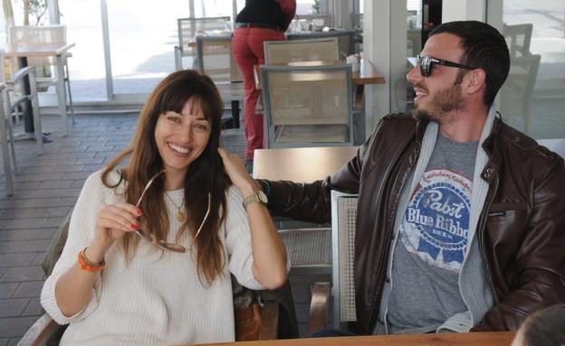 שירלי בוגנים רגע אחרי הצעת הנישואין עם החבר (צילום: ברק פכטר)