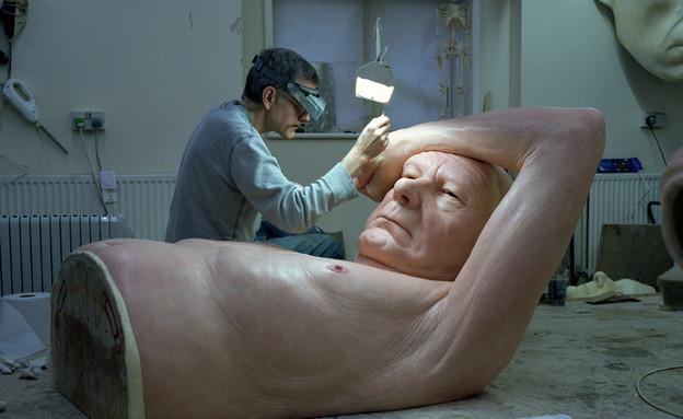 פסלי אדם - רון מווק