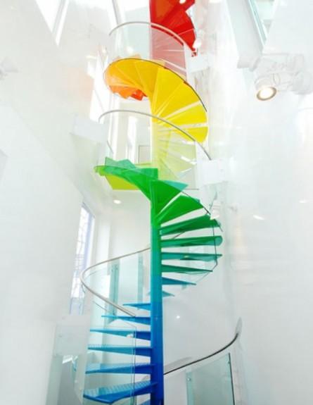 מדרגות צבעוניות