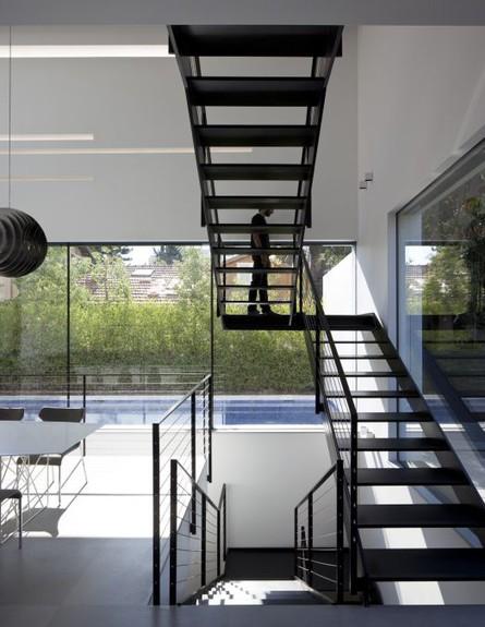 מדרגות מודרניות. עיצוב: פלגסטון