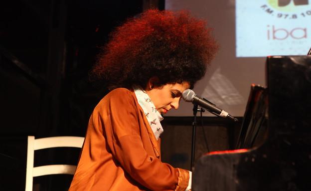 עינב ג'קסון כהן, מחווה לשמוליק קראוס (צילום: ענבל צח)