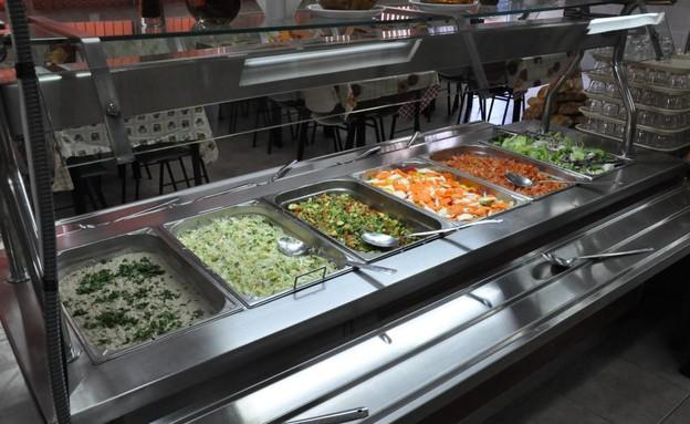 אוכלים בריא במשטרה (צילום: משטרת מרחב הנגב, משטרת ישראל)