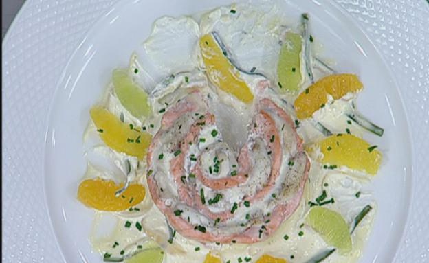דואט סלמון ולוקוס ברוטב ציר דגים, יין לבן וחמאה מזוקקת (תמונת AVI: mako)