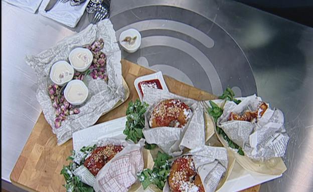 ספינג' מקורמל בסירופ פירות יער מתובל במילוי קצפת וריקוטה (תמונת AVI: mako)