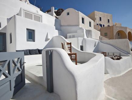 המלון מבחוץ וולקאם ביונד, מלונות ביוון