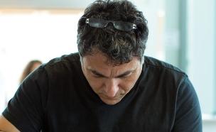 פסח, חיים כהן במטבח - מכין צוואר טלה (צילום: בני גם זו לטובה, אוכל טוב)