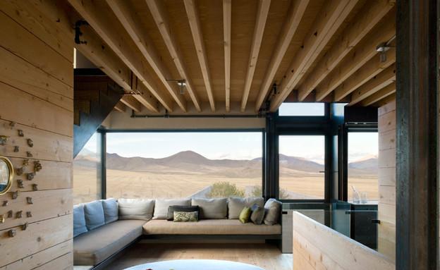 בית במדבר, שטולחן עגול (צילום: Tim Bies)