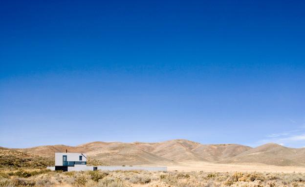 בית במדבר, נוף מרחוק (צילום: Tim Bies)