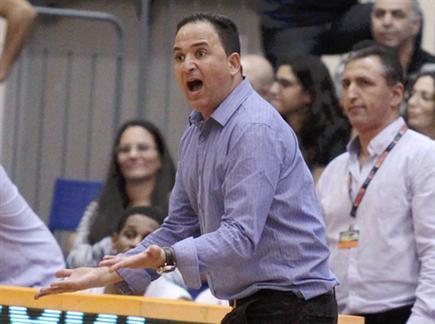 עדי אזולאי, אשקלון בדרך למטה (אלן שיבר). צפו בחיפה מנצחת את הדרומי (צילום: ספורט 5)