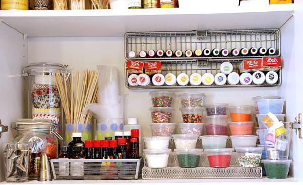 סידור ארונות צבעים (צילום: www.tidymom.net)