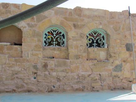 מדבר, בית שאג, חלונות טורקיז צילום לימור זומר-אריק