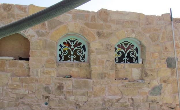 מדבר, בית שאג, חלונות טורקיז צילום לימור זומר-אריק (צילום: לימור זומר-אריק)