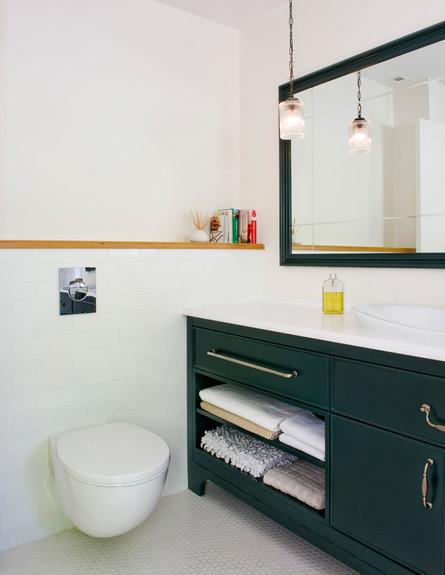 דירה ישנה, חדר רחצה (צילום: גלית דויטש דביר)