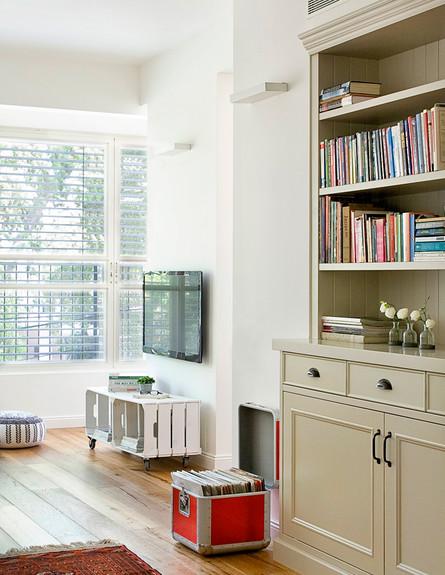 דירה ישנה, ספרייה (צילום: גלית דויטש דביר)