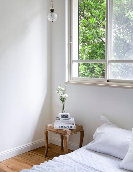 דירה ישנה, שידה בחדר שינה (צילום: גלית דויטש דביר)