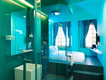 מלון סינגפור, מקלחת בחדר (צילום: www.wanderlusthotel.com)