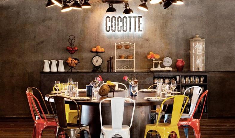 מלון סינגפור, שולחן אוכל (צילום: www.wanderlusthotel.com)