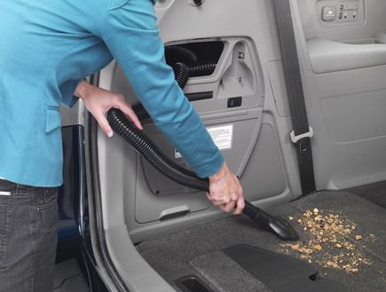שואב אבק מובנה ברכב